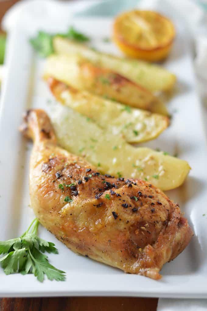 Greek Lemon Chicken and Potatoes | omgfood.com