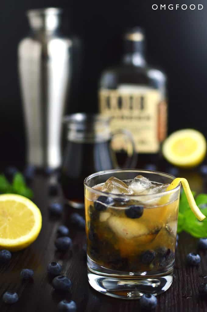 Blueberry Basil Bourbon Smash | OMGFOOD