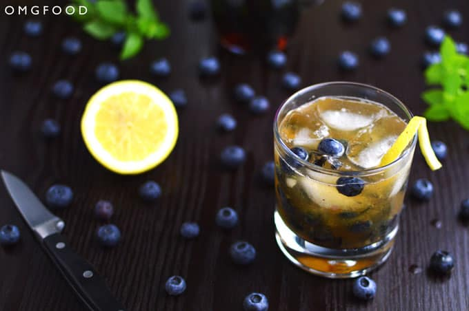 Blueberry Basil Bourbon Smash | OMGFOOD