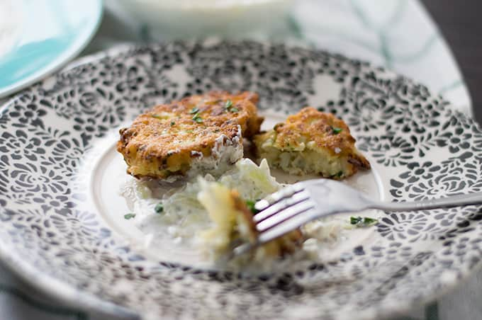 Cauliflower Fritters | omgfood.com