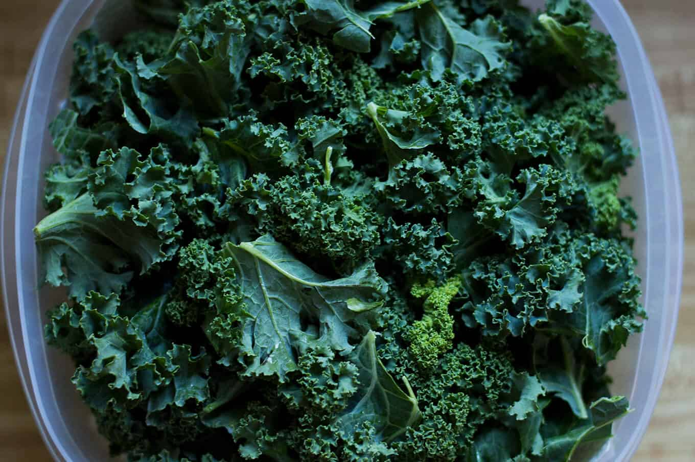 Food Prep: Washing and Storing Kale | omgfood.com